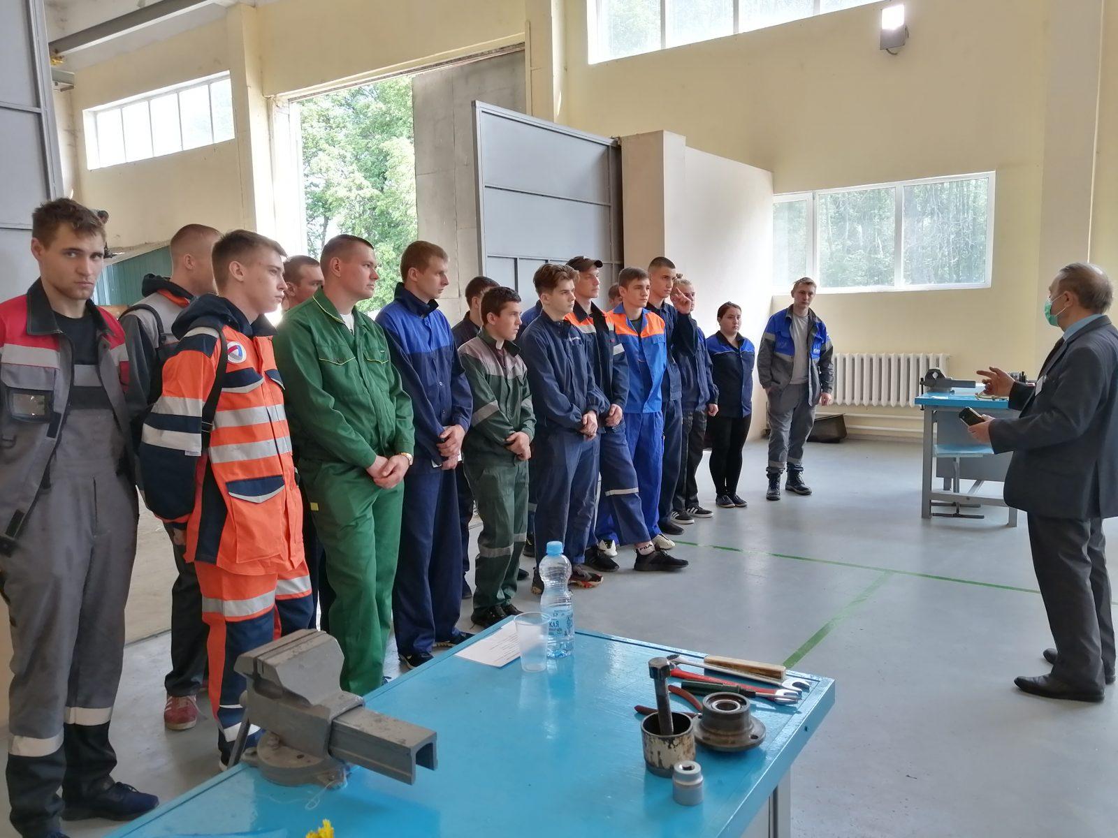 Независимая оценка качества по квалификации 18511 Слесарь по ремонту автомобилей на базе ЦОСК Дмитриевского агарного техникума.